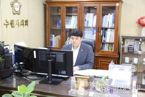 """조석환 수원시의회 의장, """"젊은 정치인답게 젊고 깨끗한 정치""""로 기본과 원칙에 충실하며 의정활동 펼쳐"""
